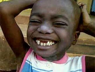 صورة طفل مضحكة جدا